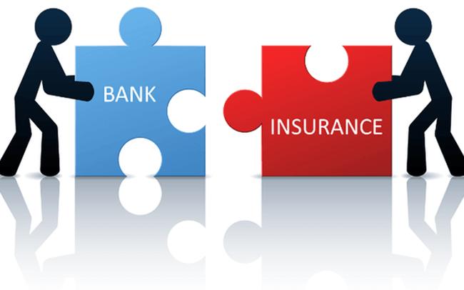 So sánh gửi tiết kiệm ngân hàng với mua bảo hiểm nhân thọ