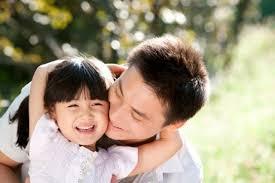 Phân tích tình cha con trong bài Nói với con của Y Phương