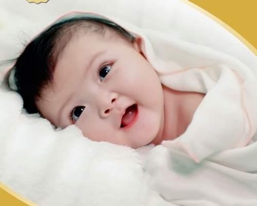 Các dấu hiệu chứng tỏ trẻ sơ sinh khỏe mạnh
