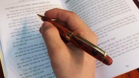 Thuyết minh về cây bút bi số 6