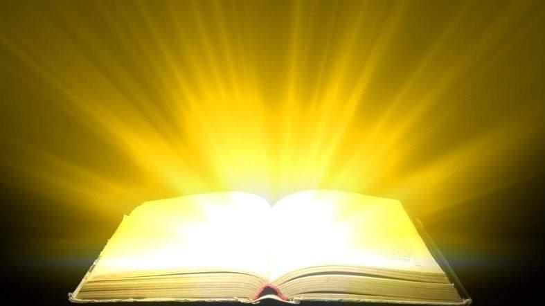 Giải thích câu tục ngữ sách là ngọn đèn bất diệt của trí tuệ
